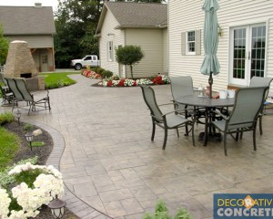 Stamped patio with curves