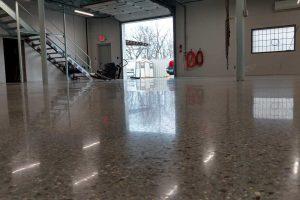 DC-polish-big-garage
