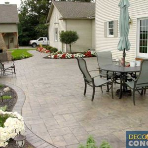 Stamped-patio-with-curves